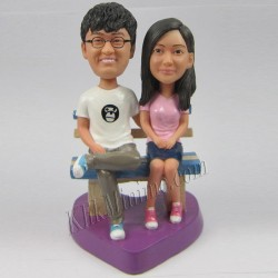 Patung Romance Sitting Couple 1