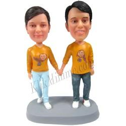 Patung Romance Couple Yellow Fever